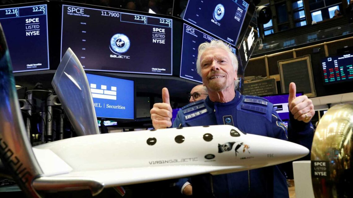 Richard Branson reaches space on Virgin Galactic flight