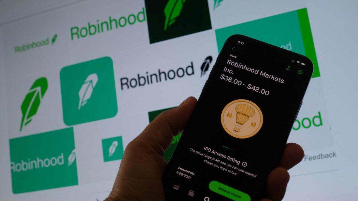 Robinhood debuts on Nasdaq – Jim Cramer and others share their take
