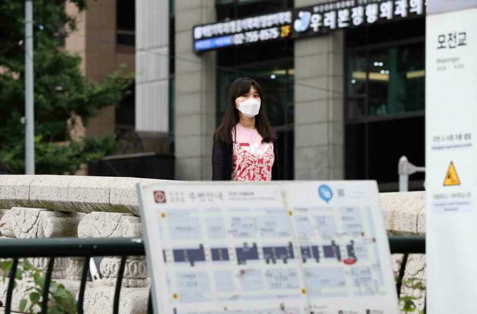 South Korea reports 1,100 new Covid cases as tighter social distancing measures begin in Seoul