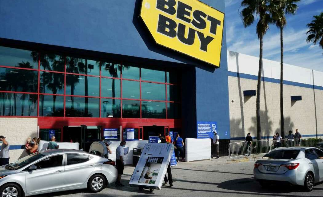 Best Buy shares rise on earnings beat, retailer says consumers are upgrading tech to work at home