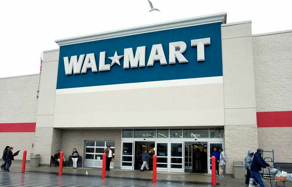 Walmart dangles bonuses for warehouse workers as summer sales surge