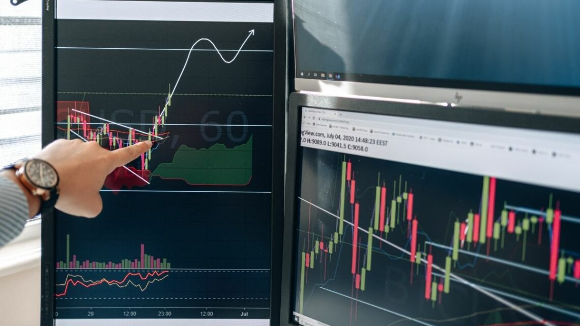7 Tips to Maximize Gains in Fantasy Stocks and Crypto