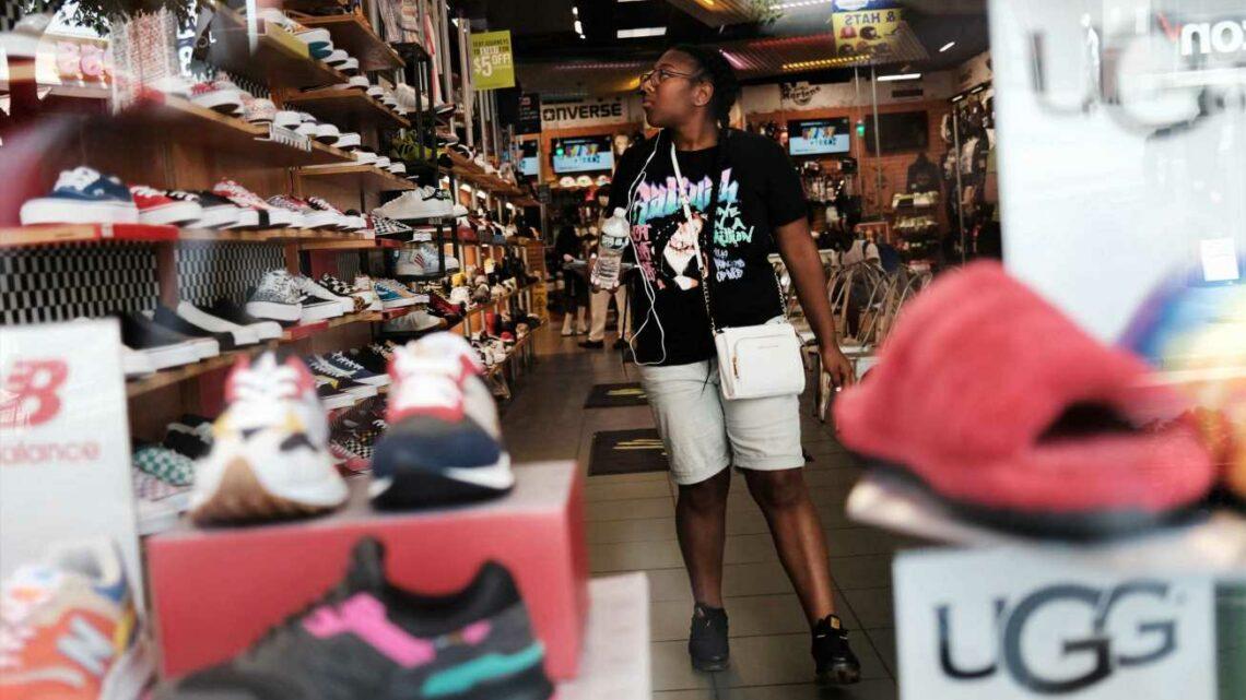 Retail sales post surprise gain as consumers show strength despite delta fears