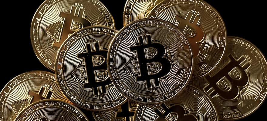 Bitcoin Dominates Weekly Institutional Inflows
